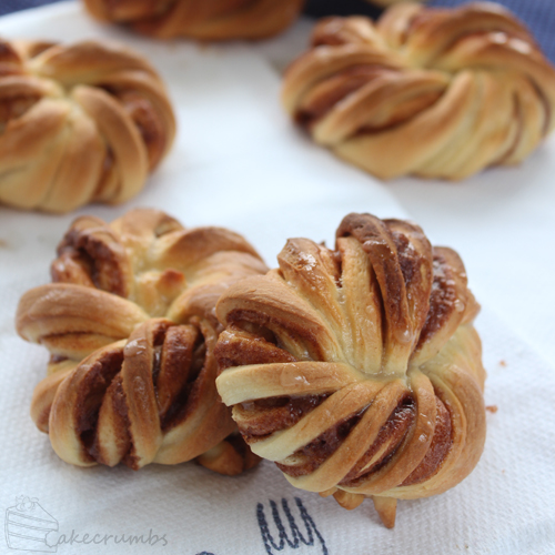 Cinnamon Knots | Cakecrumbs
