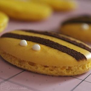 Cakecrumbs' Honey Bee Macarons