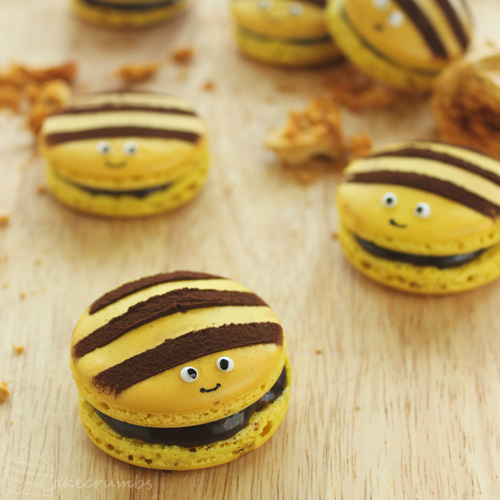 Cakecrumbs' Honey Bee Macarons