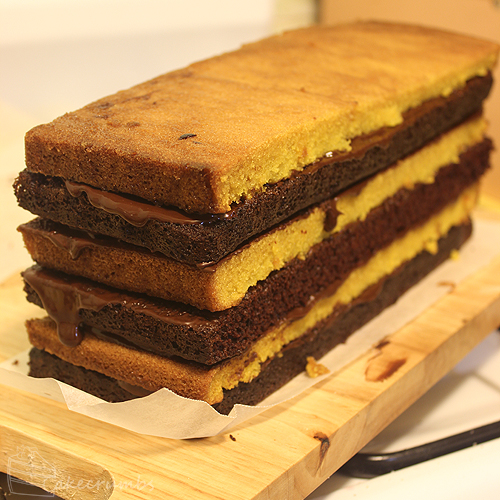 Cakecrumbs' Choc Banana Vertical Layer Cake 04