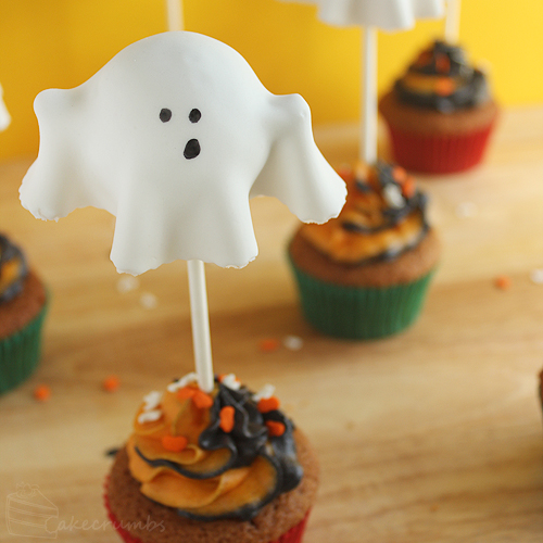 Cakecrumbs' Ghostly Pumpkin Cupcakes 00