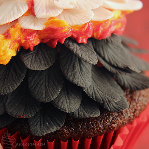 The hunger games catching fire cupcakes cakecrumbs cakecrumbs catching fire cupcakes 04 solutioingenieria Gallery