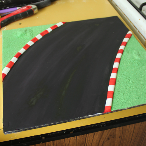 Cakecrumbs' Race Car Cake 03
