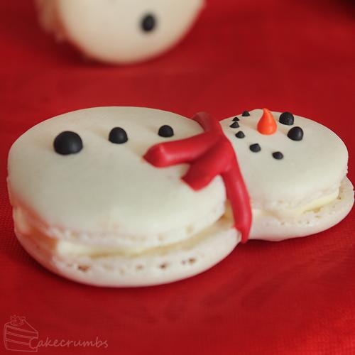 Cakecrumbs' Christmas Macarons 10
