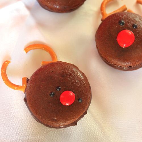 Cakecrumbs' Christmas Macarons 13