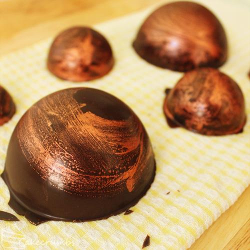 Cakecrumbs' Metallic Chocolate Tutorial 08