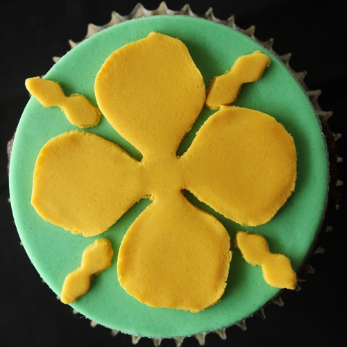 Cakecrumbs' Game of Thrones sigil cupcakes 13
