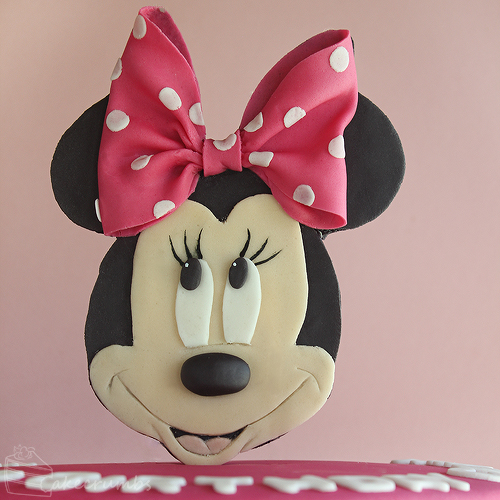 Cakecrumbs' Minnie Mouse Cake 02