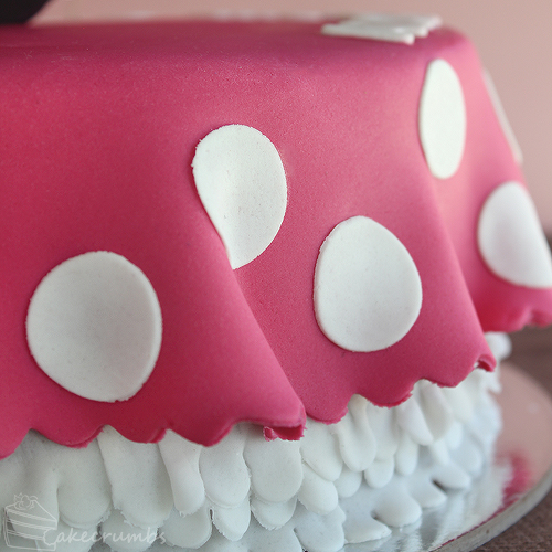 Cakecrumbs' Minnie Mouse Cake 04