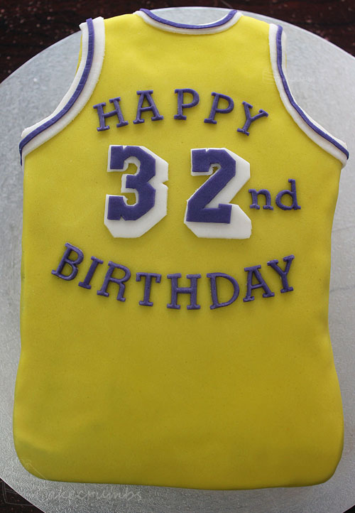 Tremendous Magic Johnson 32Nd Birthday Cake Cakecrumbs Funny Birthday Cards Online Sheoxdamsfinfo